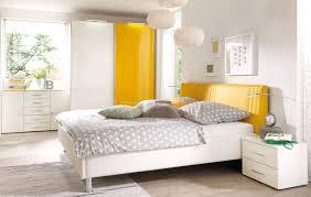 Schlafzimmerm El Zurbr Gen Funvit Com Ideen Schlafzimmer Lila Weiß