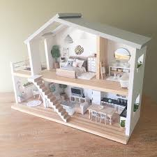 Heirloom dollhouses Bespoke dollhouse furniture bedding and