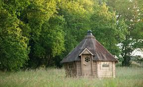 chambre d hote insolite bretagne chambre d hôte dans un chalet en bois en bretagne à côté de