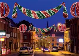 Commercial Business Christmas Decorations by Best 25 Commercial Christmas Lights Ideas On Pinterest