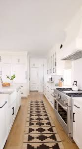 kitchen backsplash with white cabinets and white countertops 70 white cabinets with white countertop going out of