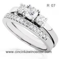 cincin emas putih cincin kawin emas putih r 07 cincin kawin center