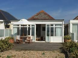 pevensey beach holiday cottage with private garden and beach