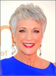 Inspirational Hairstyles For Women Over 50 These 5 Gray Hair Styles Will Help You Look Fabulous
