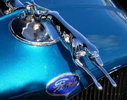 gawe s a 1930 s ford greyhound had a striking ornament