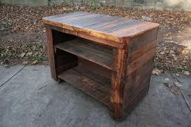 impressive wood pallet kitchen island on top of concrete outdoor