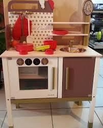 cuisine en bois jouet janod maxi cuisine chic janod avis