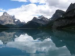 top 10 beautiful lakes around the world