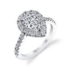 diamond shape wedding rings diamond shape meaning significance pear shaped