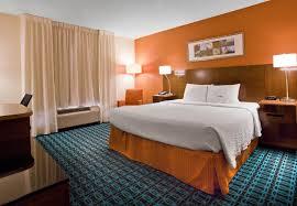 hotels with 2 bedroom suites in savannah ga marriott hotels in savannah ga fairfield inn suites savannah