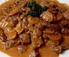 cuisiner du boeuf en morceaux recette boeuf strogonoff par lol guru sur lol