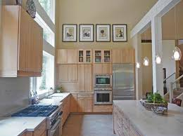 Decorating Above Kitchen Cabinets Pictures by Simple Decorating Above Kitchen Cabinets Decolover Net