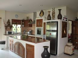 cuisine entierement equipee luxueuse villa avec piscine et propriete de 1 600 m2
