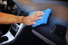 nettoyer des si es de voiture en tissus comment nettoyer le plastique intérieur de voiture etape par etape