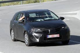 toyota auris scoop new toyota auris station wagon spotted testing in europe