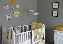 chambre bebe gris blanc deco chambre bebe jaune et gris 2 idées décoration intérieure