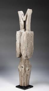 sakalava post with opposing bird figures