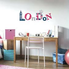 chambre d h es londres chambre ado sticker mural au motif ado sticker girly