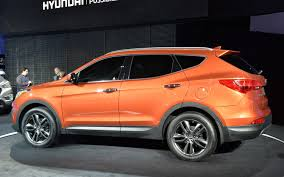2012 new york 2013 hyundai santa fe unveiled with stretched three