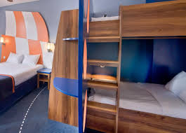 Explorers Hotel At Disney MagnyleHongre France Bookingcom - Family room paris hotel