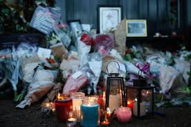 George Michaels Home Candlelit Tributes Illuminate The Outside Of Pop Music Icon George