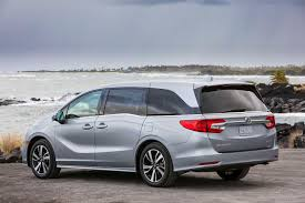 minivans top speed 2018 honda odyssey is all about a happy family the drive