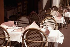 How To Set A Table Taste Of Home by 14 Things That Only Happen At Fancy Restaurants Huffpost