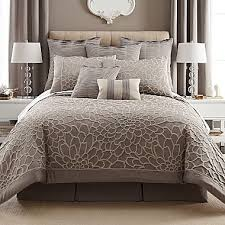 What Is A Bed Set What Accent Color Would Be With This Bedding Set