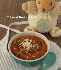cuisiner pour bébé recette de soupe pour bébé avec du céléri cubes petits pois