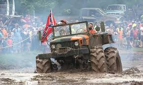 muddy jeep girls louisiana mudfest is great redneck mud hole party with a lot of fun