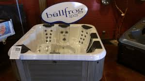 Jacuzzi Spas Tips Best Bullfrog Spas Design With Efficient And Powerful