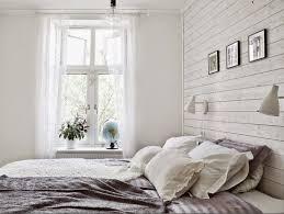 chambre en bois blanc lambris bois blanc inviter le style cagne chic la maison chambre
