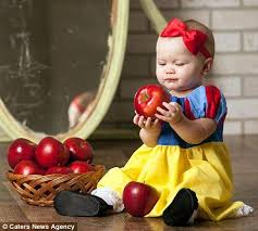 Apple Halloween Costume Baby 25 Snow White Photography Ideas Disney