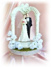 and groom wedding cake toppers gazebo and groom wedding cake topper garden wedding