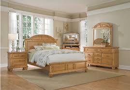 light wood bedroom furniture berkshire lake pine 5 pc king panel bedroom king bedroom bedrooms