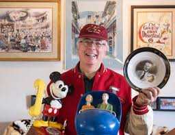 his and items disney collector auctioning another 200 pieces from his 10 000