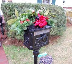 Christmas Mailbox Decorations Diy by Decorating Mailboxes Fences And Porches For Christmas