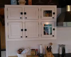 ebenisterie cuisine armoire de cuisine blanche îlot live edge cuisine chêtre