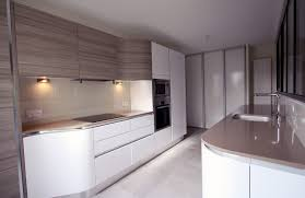 cuisine en couloir plan de cuisine en couloir idée de modèle de cuisine
