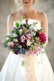 wedding flowers in october wedding wednesday autumnal bouquets delightful finds and me