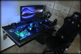pc desk for gaming 25 amazing pc gaming battlestations forevergeek