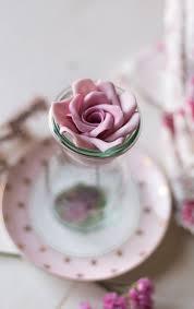 como hacer mascaras en forma de rosa cómo hacer una rosa paso a paso con pasta de goma