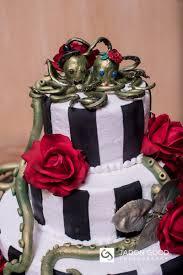 16 reasons dark wedding themes are glam af