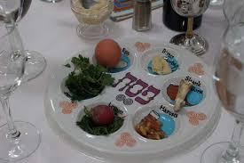 passover seder set passover seder celebrated among cedar rapids community