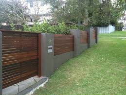 Modern Backyard Fence by Best 25 Front Fence Ideas On Pinterest Front Yard Fence Ideas