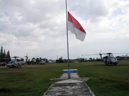 Fly Flag At Half Mast File Us Navy 050107 N 8218w 008 The Indonesian Flag Flies At Half