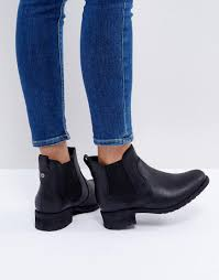 s ugg australia light grey bonham chelsea boots ugg bonham stout leather chelsea boots black clothes