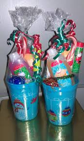 shrink wrap gift paper best 25 avon gift baskets ideas on avon party ideas