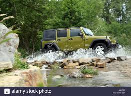 jeep water jeep wrangler unlimited 2 8 crd model year 2007 green metallic