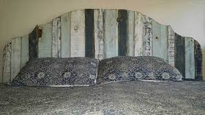 Headboards Made With Pallets 10 Repurposed Pallet Headboards Real Country Ladies